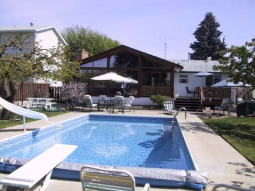 Brocklehurst Yard With Pool
