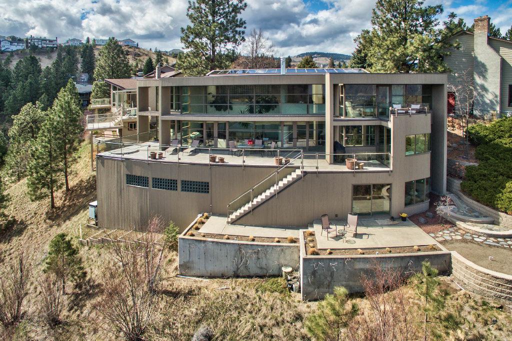 New Listing: 1801 Sedgewick Drive, Sahali, Kamloops, BC $1,198,800